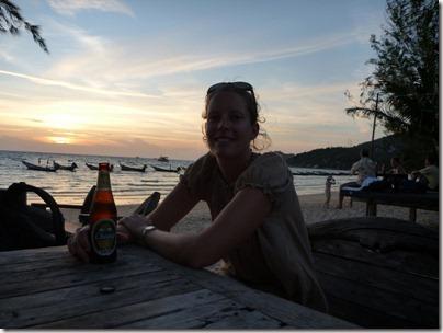 Apéro sur la plage: dur dur la vie de backpackers!