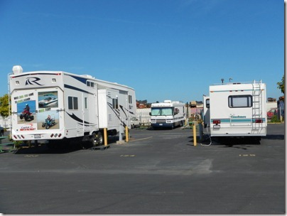 """Les énormes caravanes au camping """"chaleureux""""..."""